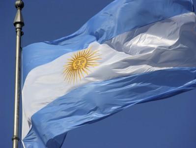 dia-de-la-bandera-argentina-belgrano-Bandera-Argentina1-399x300
