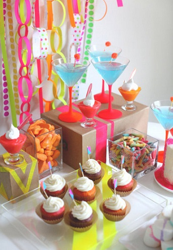 fiesta-neon-mesa
