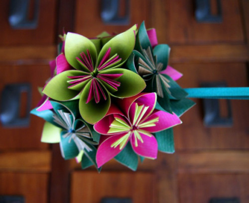 2-manualidades-para-hacer-flores-de-papel