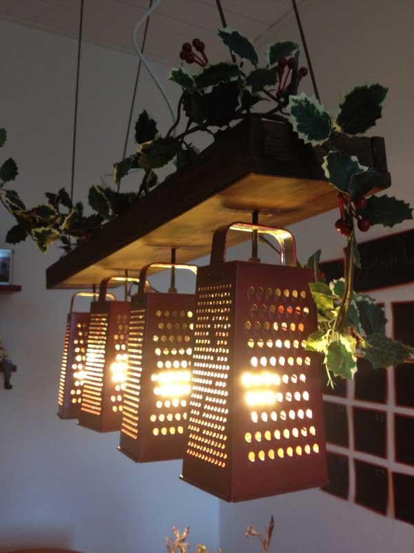 ideas-hacer-lamparas-con-material-reciclado-rallador-de-cocina