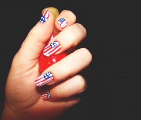 uñas-decoradas-con-la-bandera-de-estados-unidos-3