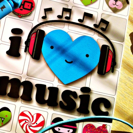 I-Love-Music-ipad-wallpaper-ilikewallpaper_com