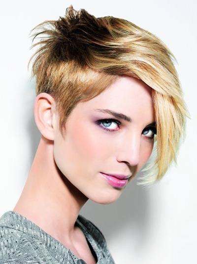 cortes-de-pelo-y-peinados-otono-invierno-2015-2016-pelo-corto-flequillo-hacia-delante