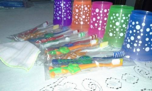 10-souvenir-ninos-vaso-cepillo-de-diente-canimalito-toalla-D_NQ_NP_963501-MLA20332867809_072015-F