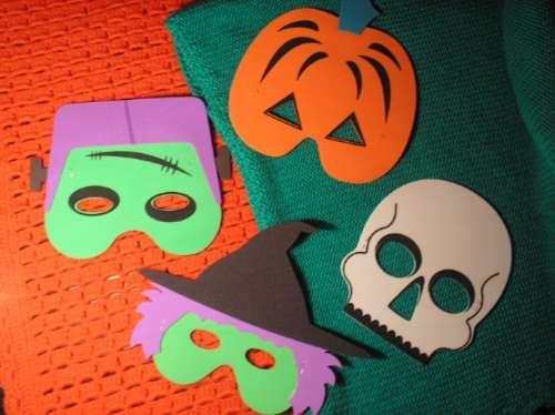 Como-hacer-Mascaras-para-Halloween-en-foami