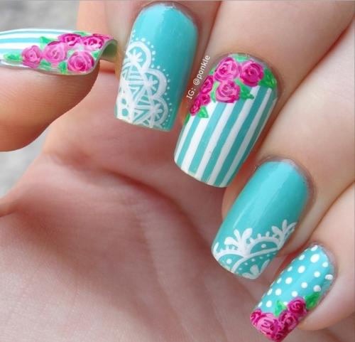 pinceles-para-decorar-unas-rosas