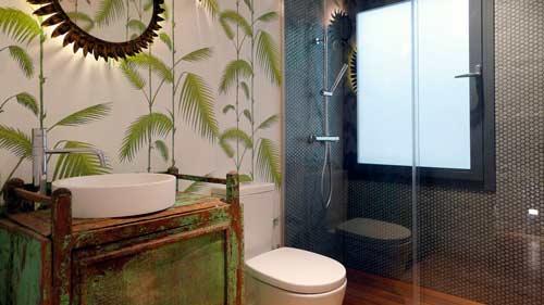 decorar-original-bano-reutilizar-mueble-madera