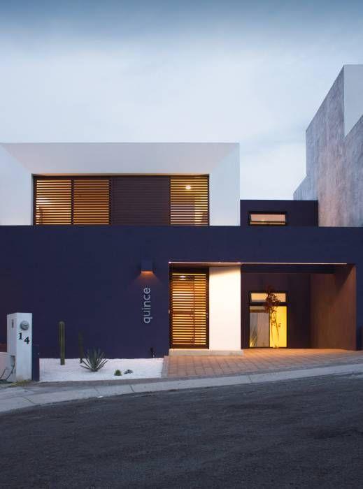 Fachadas de casas im genes ideas y dise os modernos for Casas minimalistas modernas con cochera subterranea