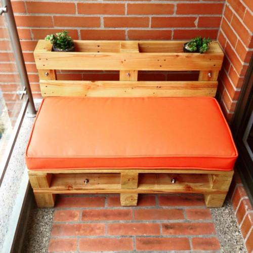 Muebles reciclados de madera con palets ideas con dise os for Sillones hechos con tarimas