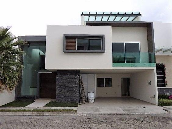 Fachadas de casas peque as y modernas que te inspiraran for Fachada minimalista dos plantas